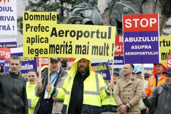 A Főtéren sztrájkoltak a reptéri alkalmazottak