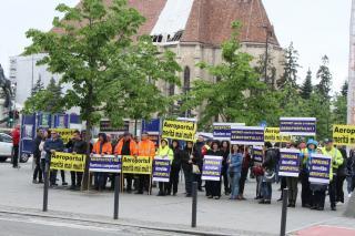 Tovább sztrájkolnak a reptéri alkalmazottak
