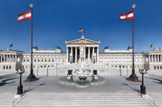 Korrupciós botrány miatt felbomlott az osztrák kormánykoalíció