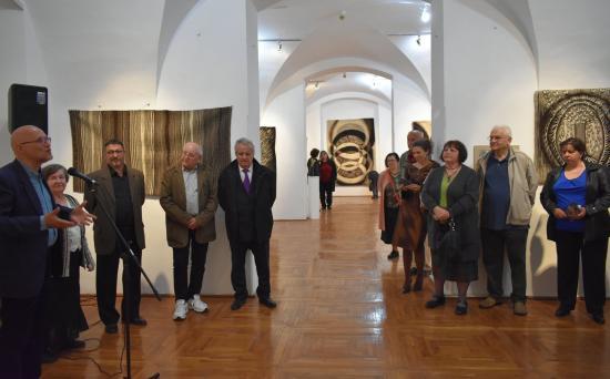 Interferenciák – anya és fia kiállítása a Bánffy-palotában
