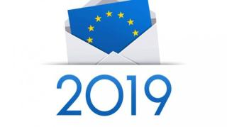 Csaknem 19 millió román állampolgárt várnak az urnákhoz