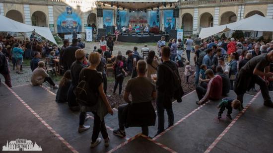 Tömegeket vonzott a palotaudvarba költözött Várkert Fesztivál