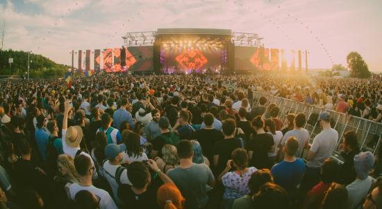 Romániai zenészek léphetnek fel az EC színpadain