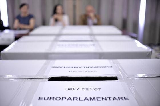 Tőkés László közel 17 ezer szavazatot kapott 2007-ben a Kárpátokon túli megyékben