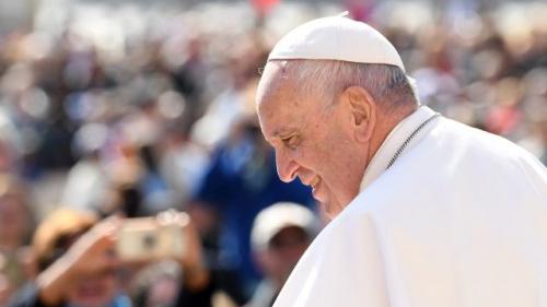 Ferenc pápa és a dák farkas meséje