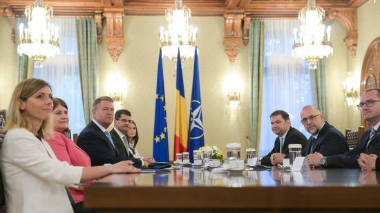 Államfői egyeztetés a népszavazásról a pártok vezetőivel
