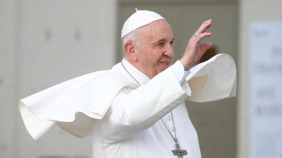 Pápalátogatás után