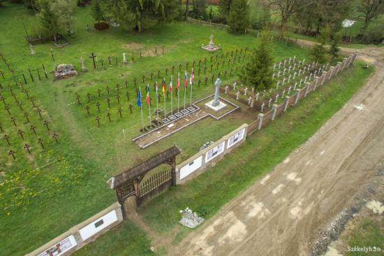 Úzvölgyi katonatemető - Élőlánccal próbálják megakadályozni a román parcella csütörtöki felavatását