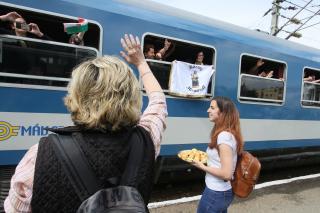 Üdvözölték a Nagyboldogasszony zarándokvonat utasait