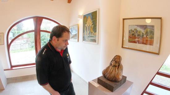Templomi kiállítóterek Kolozsváron: közösségépítő a képzőművészet
