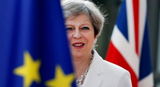 Brexit - Theresa May távozik - és egyelőre marad