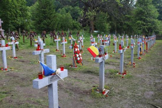 Uzvölgyi katonatemető - Szakértő: hazudik a román diplomácia