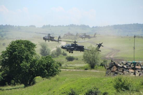 VIDEÓRIPORT - Az amerikaiakkal karöltve támadta a román hadsereg az ellenséget
