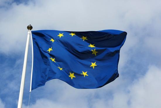 Büntetendővé nyilváníthatják az uniós zászló meggyalázását Németországban