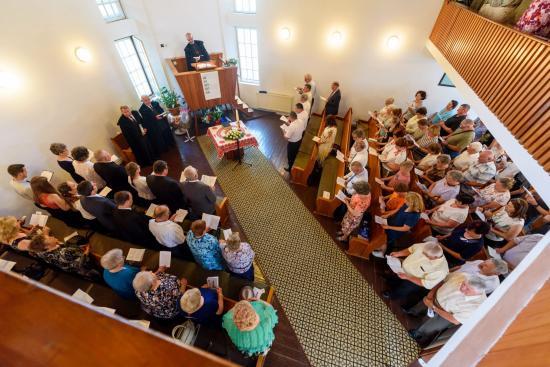 Barátaikkal ünnepeltek a kisbácsi reformátusok