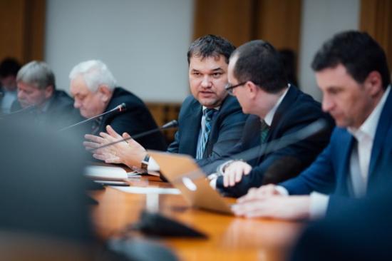 RMDSZ: a közigazgatási kódex a 90-es évekbe veti vissza Romániát a kisebbségi jogok tekintetében