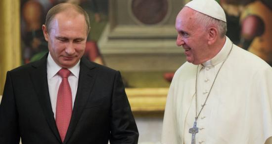 Majdnem egy órás volt Ferenc pápa és Vlagyimir Putyin találkozója