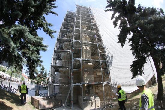 Napóra rovátkáit találták a Szent Mihály-templomon