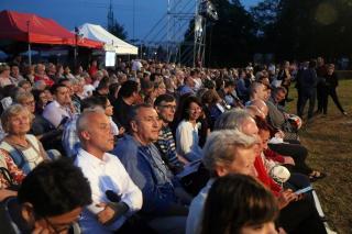 Ezrek operája – Parasztbecsület a Kálvária-dombon