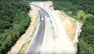 Már csak 100 kilométer autópályát ígérnek idénre