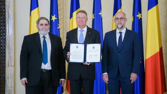 Aláírta az RMDSZ is a megállapodást a jogállamiságról és az európai értékekről