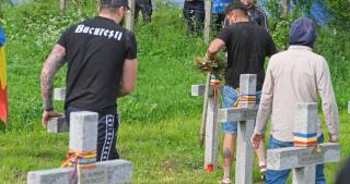 Tüntetés az úzvölgyi temetőért és a jogtiprások ellen Székelyudvarhelyen