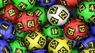 Hatvanöt éves Bákó megyei férfié a lottó főnyereménye