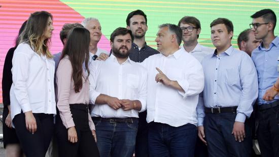 Orbán Viktor vagy hazudik, vagy nem érti a világot – reakciók a tusványosi beszédre