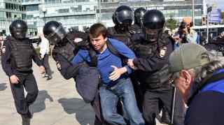 Több mint ezer embert vettek őrizetbe a moszkvai tüntetésen – állítják orosz jogvédők
