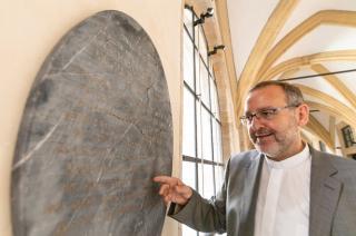 """Kiállították az """"igazi Hófehérke"""" síremlékét egy németországi múzeumban"""