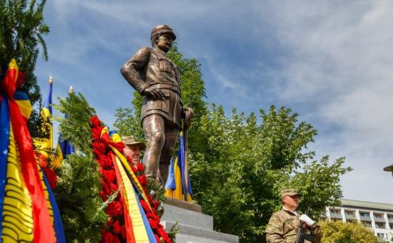 Szaporodnak Kolozsváron a centenáriumi szobrok