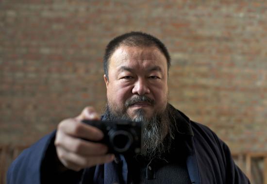 Távozik Németországból Aj Vej-vej kínai ellenzéki művész