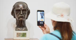 Alapítója előtt tiszteleg a Művészeti Múzeum