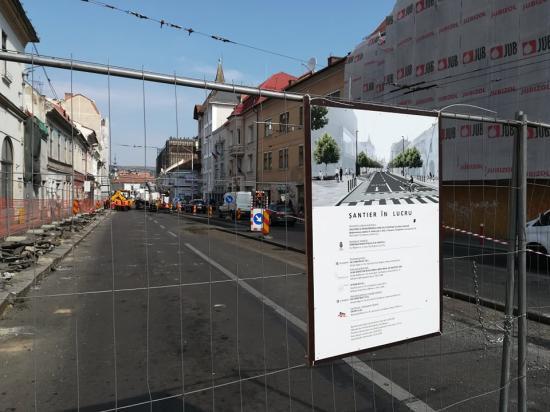 Elkezdték ma a Dózsa György utca felújítását