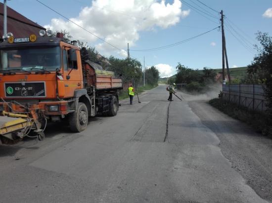 Vákár István: karbantartási munkálatokat végeznek a Magyarlóna-Kisbánya útszakaszon, amíg a jogi probléma megoldódik
