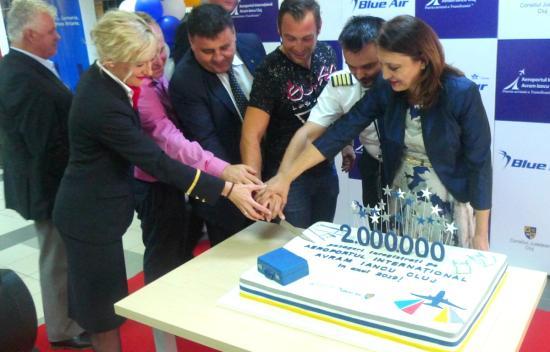 Leszállt a kétmilliomodik utas Kolozsváron