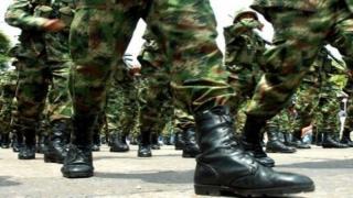 Bejönnek az amerikai tábornokok a brăilai nőknek