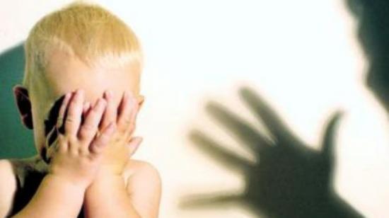 Felfüggesztett börtönbüntetésre ítélték azt a temesvári bölcsődei gondozót, aki tavaly megütött egy gyermeket