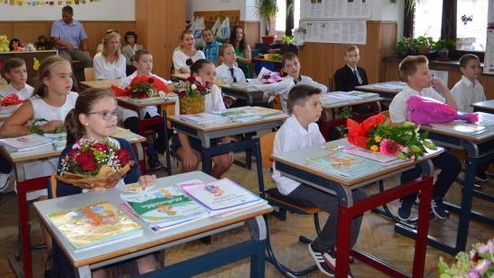 Délutáni foglalkozás Kolozs megye kisvárosainak iskoláiban