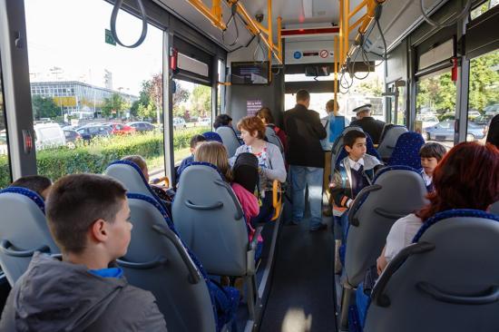 Büntetik a közszállítási járműveken a hangoskodókat
