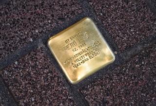 Botlatókövet kapott Rejtő Jenő a budapesti Bimbó úton