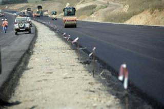 Cuc elégedett a nyugati autópálya építésével