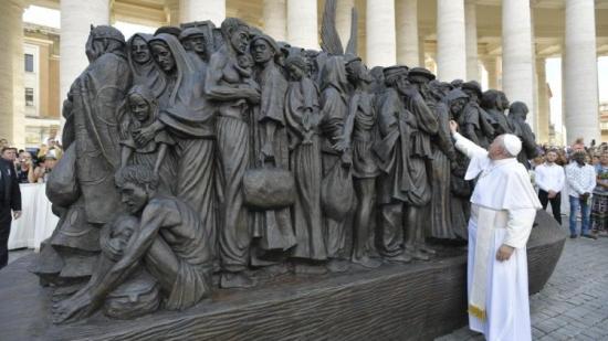 """Ferenc pápa: """"Nem maradhatunk érzéketlenek"""""""
