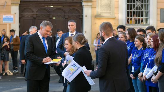 Iohannis Kolozsváron: akadémiai és politikai látogatás