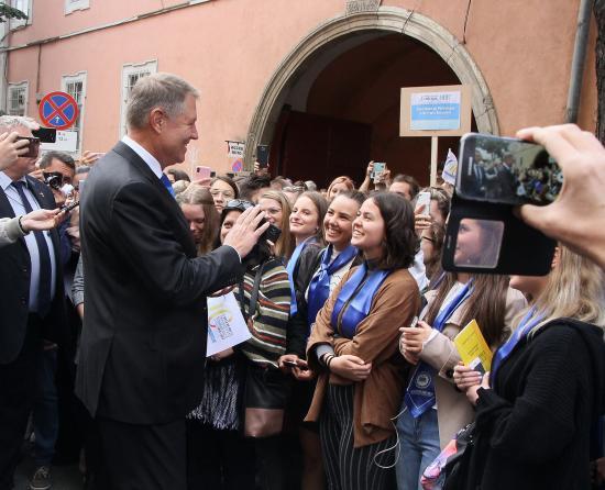 Iohannis az egyetemistáknak: tegyétek jobbá a társadalmat