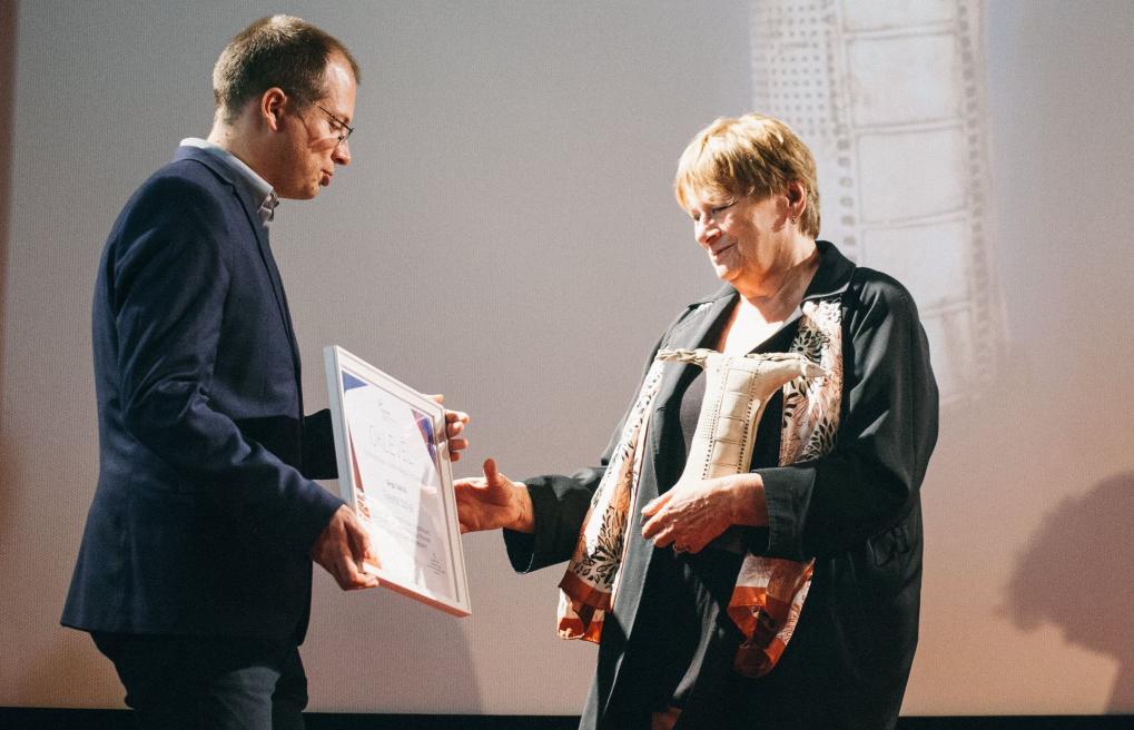 Fekete Ibolya kapta a Sárga csikó-díjat