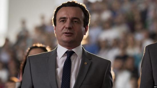 Albin Kurti bejelentette győzelmét a koszovói választáson