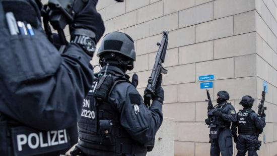 Lövöldözés volt a németországi zsinagógánál