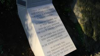 Megemlékezés az 1944 októberében ...