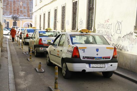 Növelné a taxisengedélyek számát az önkormányzat
